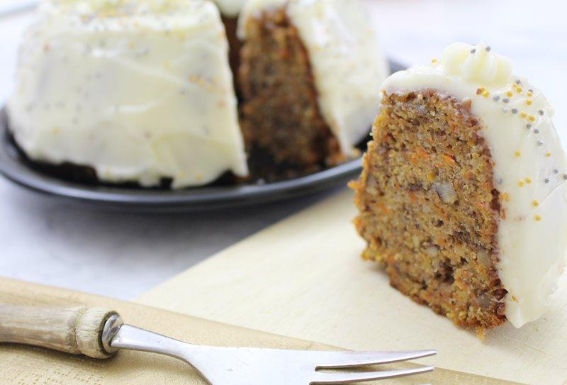 Rezept Karotten Walnuss Kuchen Mit Frischkase Topping